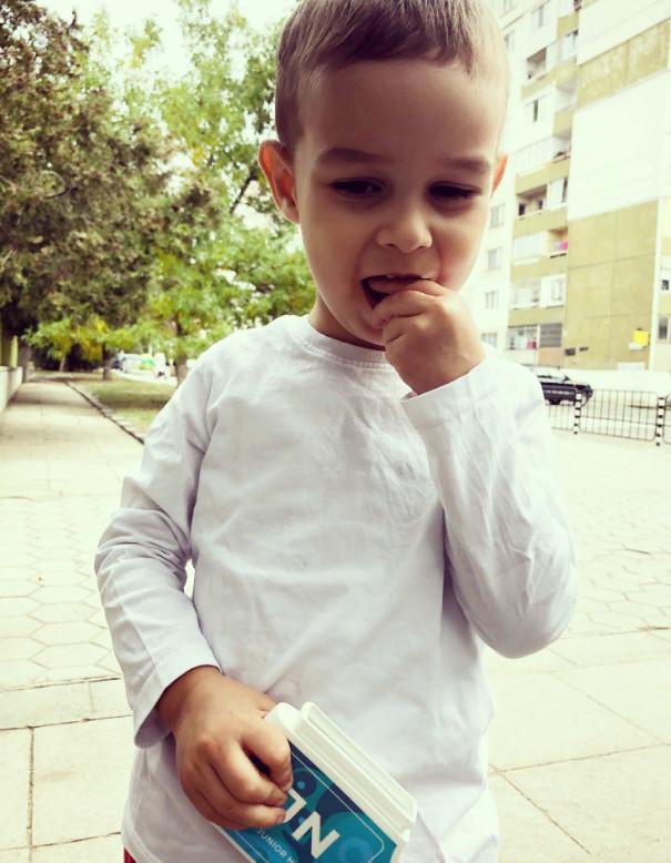 Павлова Николет сын